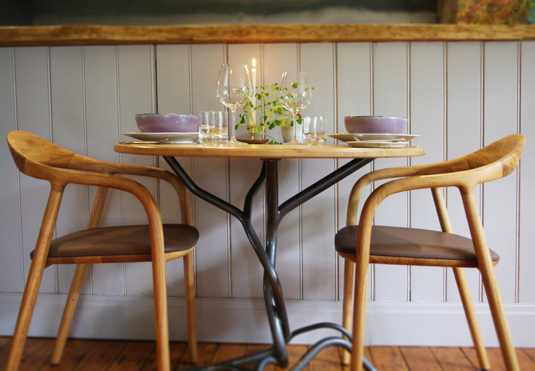 chairs-and-table